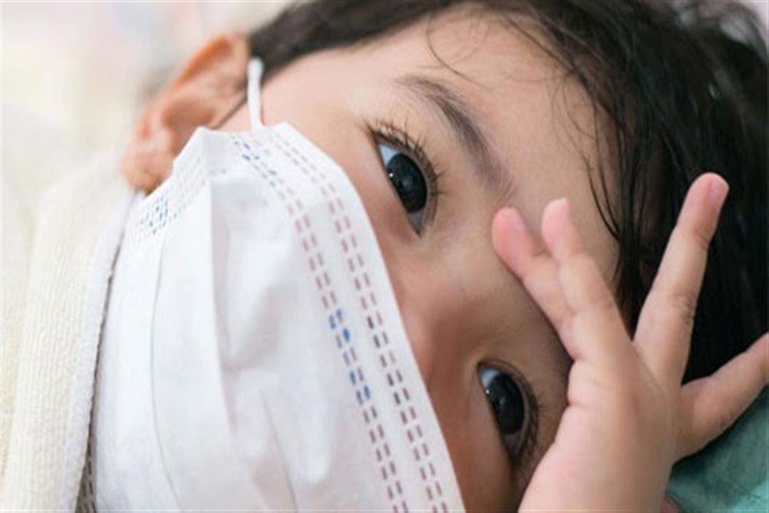في ظل تفشي كورونا.. هل تعرض الطفل للفيروس يحميه؟