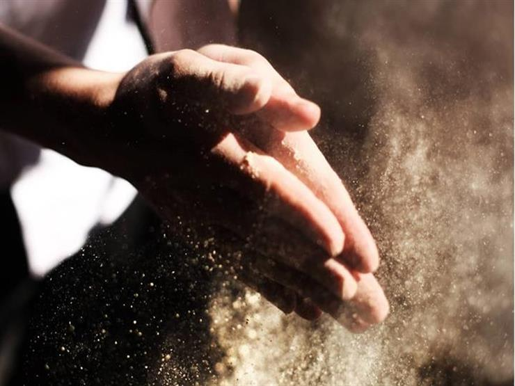 التيمم يكفي لصلاة واحدة أم لعدة صلوات؟.. أستاذ فقه يجيب