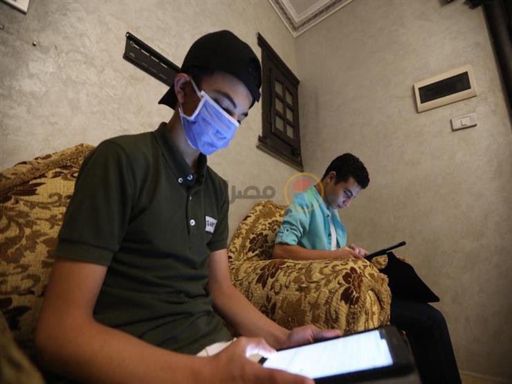 586 ألف طالب بأولى ثانوي يؤدون امتحان الكيمياء إلكترونيًا