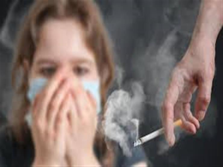 4 مخاطر تهدد عينك بسبب التدخين.. تصل للعمى