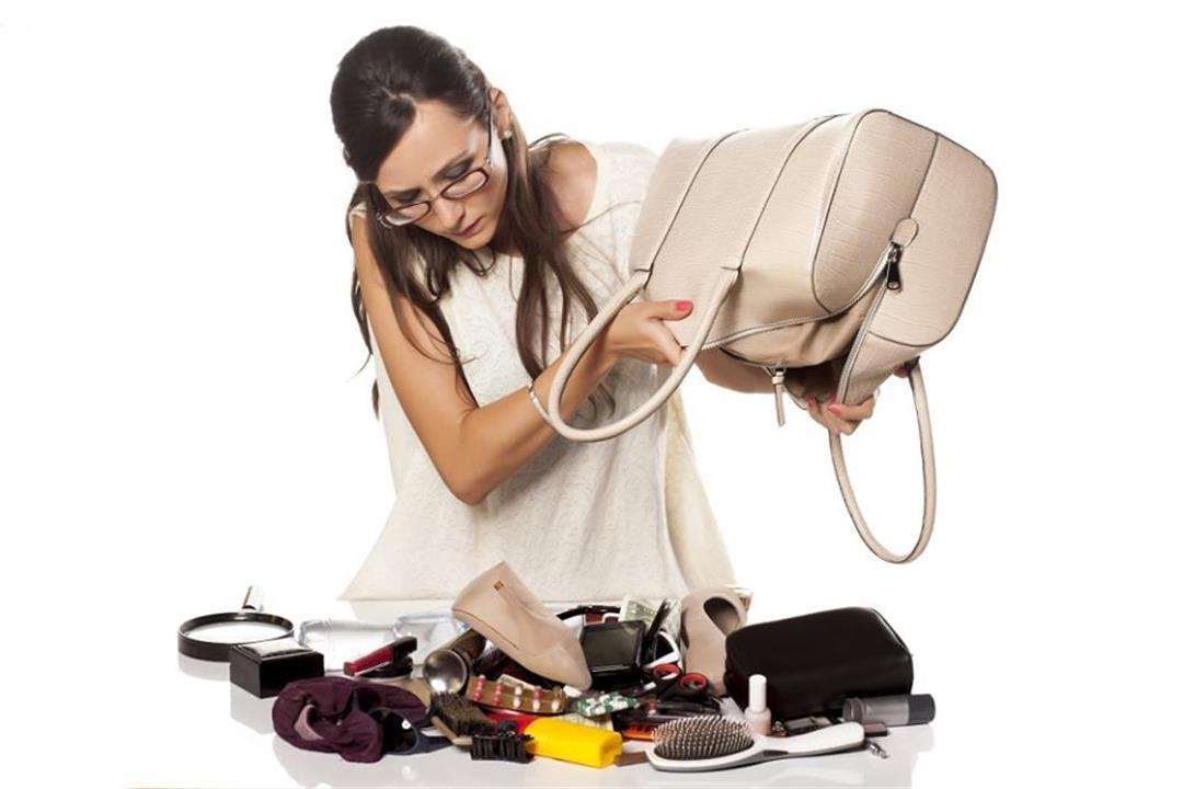 تحميك من كورونا.. 6 أشياء احرصي على توافرها داخل حقيبتك قبل الخروج من المنزل (إنفوجرافيك)
