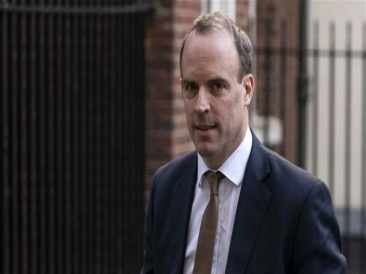 فيروس كورونا: من الذي يقود الحكومة البريطانية بعد إصابة جونسون؟