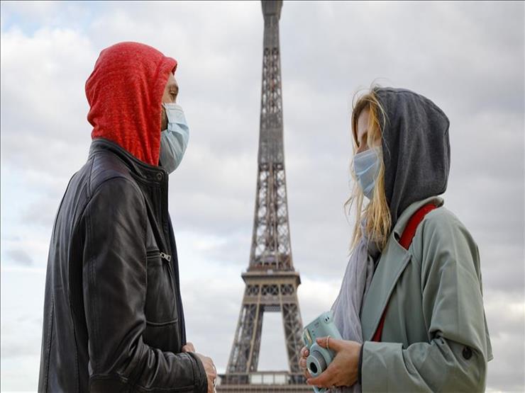 فرنسا تسجل انخفاضا في إصابات كورونا وعدد المرضى بوحدات العناية المركزة