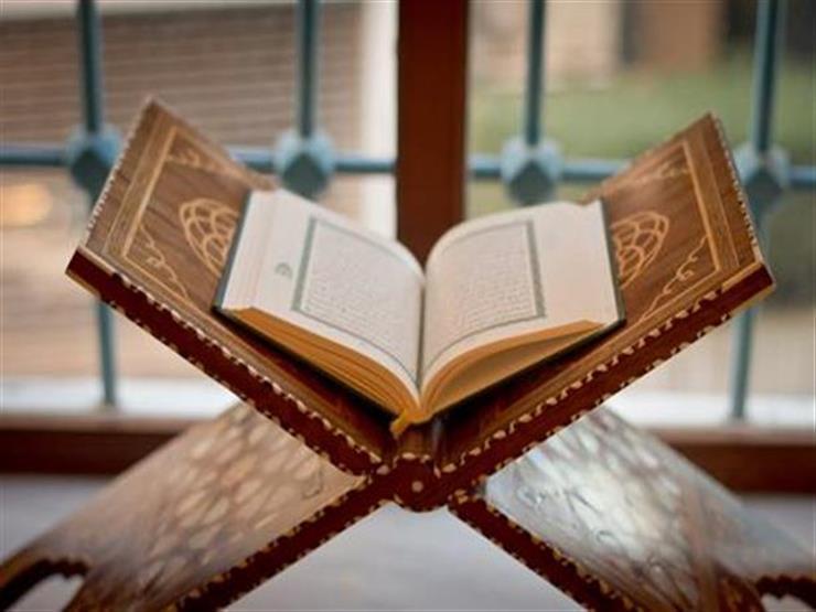 بالفيديو  عالم لغة يكشف أحد أسرار القرآن يستحيل حدوثه في أى لغة