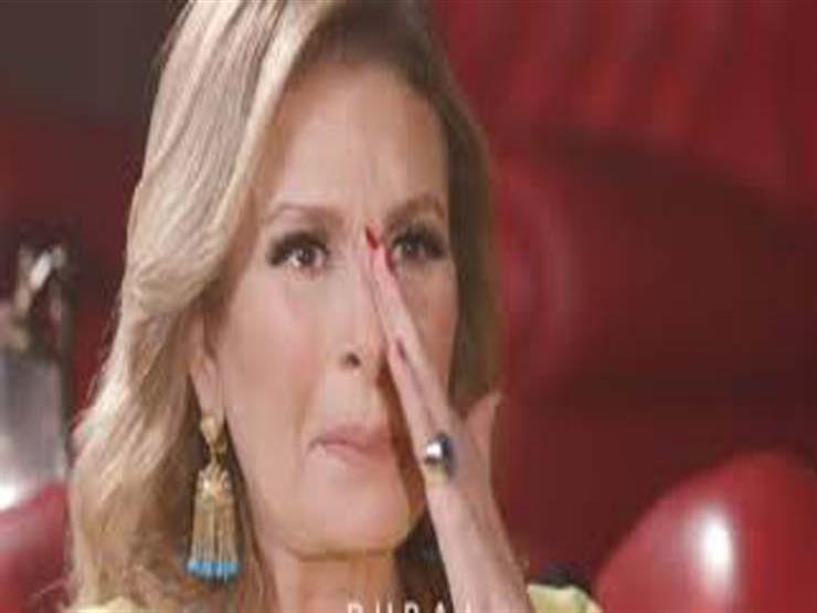 """يسرا تبكي على الهواء لرؤيتها مشهد وفاة ابنها بـ""""خيانة عهد"""": تذكرت وفاة أمي"""