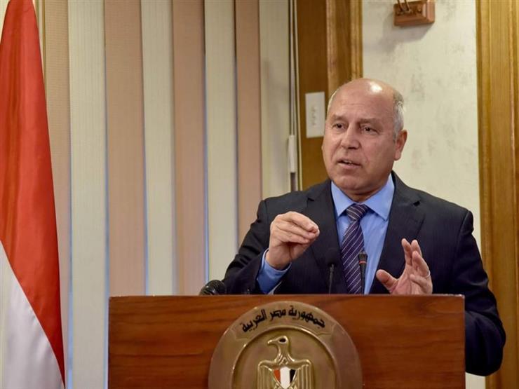 """كامل الوزير: حصلنا على 5 قطارات هدية من """"سيمنز"""" لمصر والرئيس السيسي"""