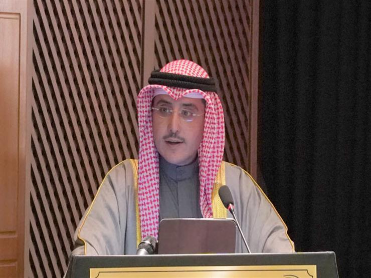 أمير الكويت يتلقى رسالة خطية من سلطان عمان