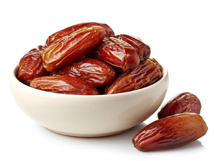 هذا ما يفعله تناول 7 حبات من البلح يوميا في جسمك