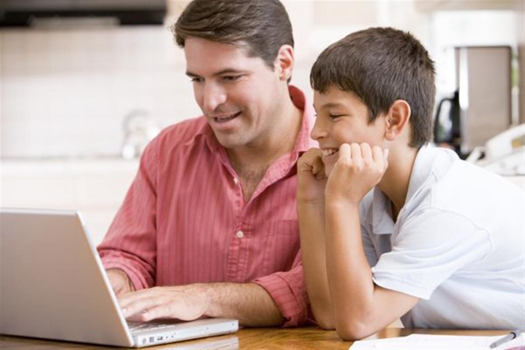 سلامة طفلك على الإنترنت مسئوليتك.. كيف تحافظ عليها في زمن كورونا؟