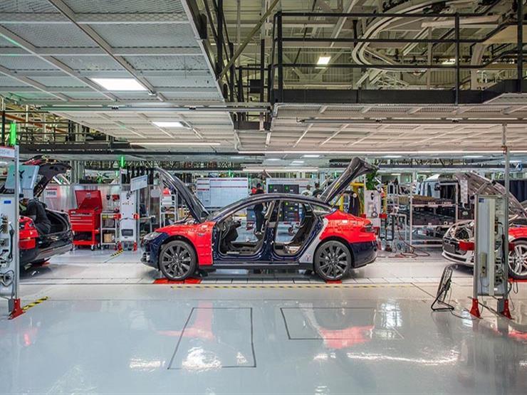تسلا تشرع في مصنع سيارات جديد بالولايات المتحدة خلال الصيف
