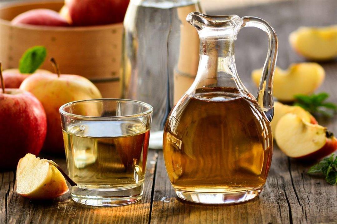ملعقة من خل التفاح قبل النوم تقدم لصحتك فوائد عديدة.. تعرف عليها
