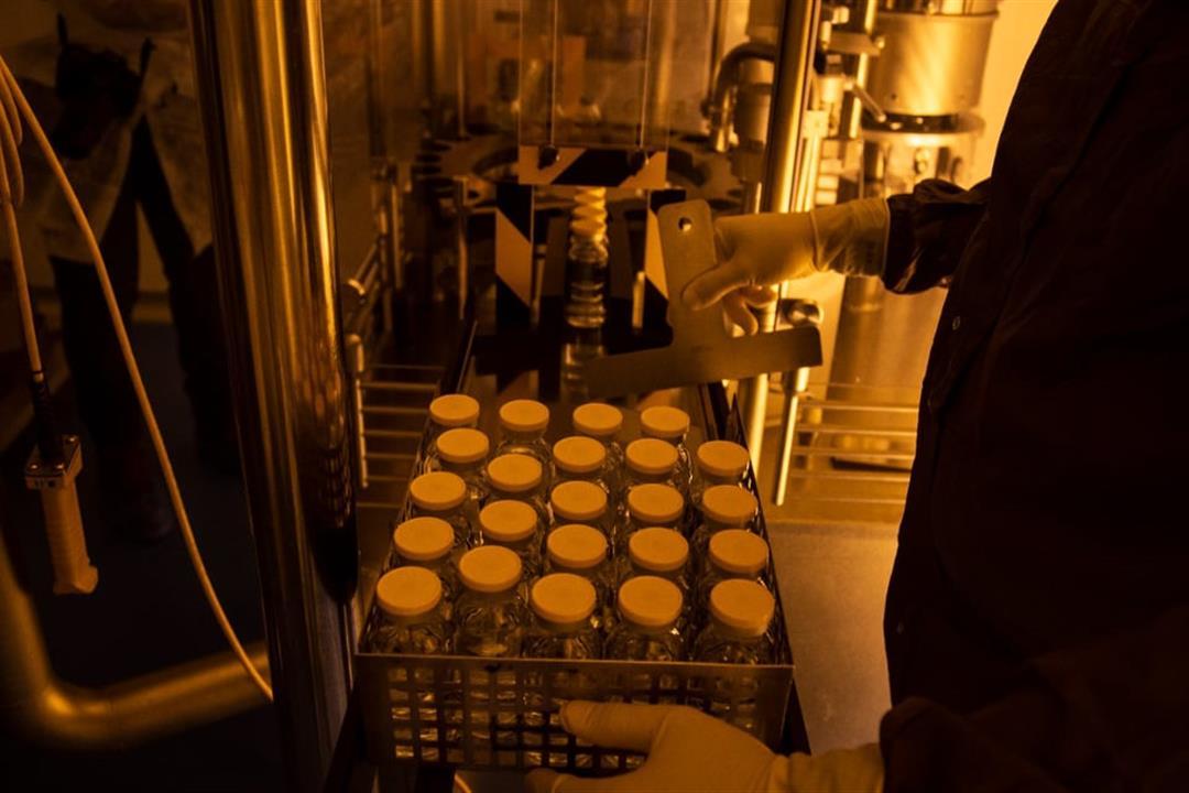 """""""الكونسلتو"""" داخل مصنع ريمديسفير: هل ينتهي الوباء من هنا؟ (صور)"""