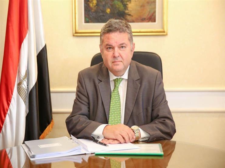 وزير قطاع الأعمال: سأحاسب على الإبقاء على مصنع الحديد والصلب