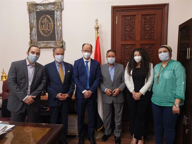 """""""الوطنية للصحافة"""": """"هواوي"""" تتبرع بـ10 آلاف كمامة طبية لمواجهة فيروس كورونا"""