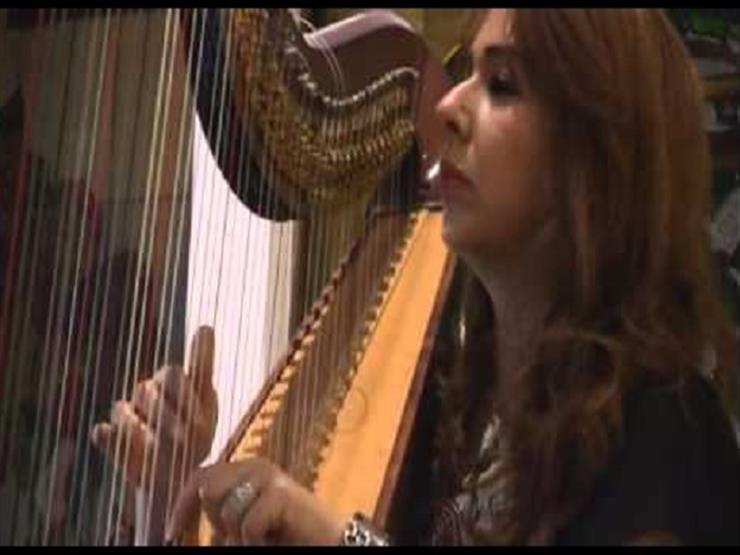 """عازفة """"الهارب"""" تكشف تاريخ الآلة الموسيقية الفرعونية.. وسعرها في أمريكا"""