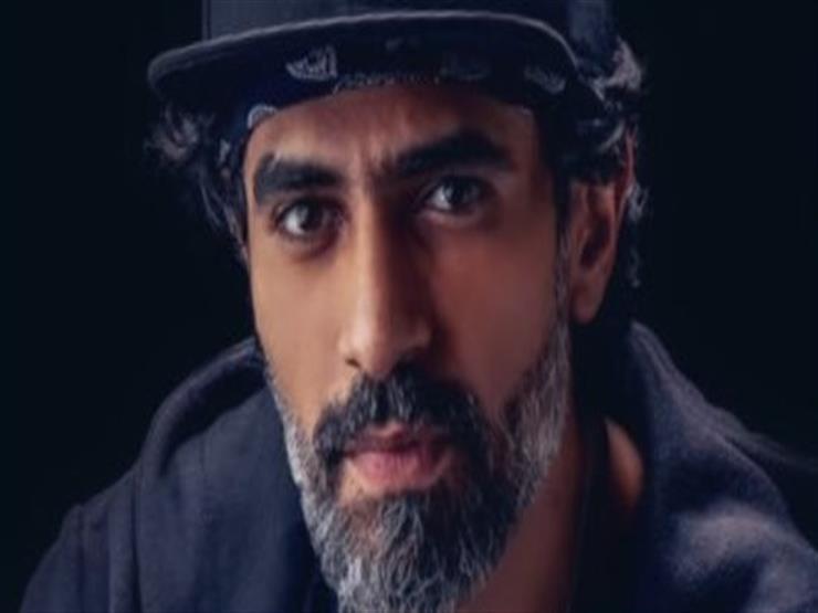 """محمد علاء تاجر قماش في """"واقع افتراضي"""""""