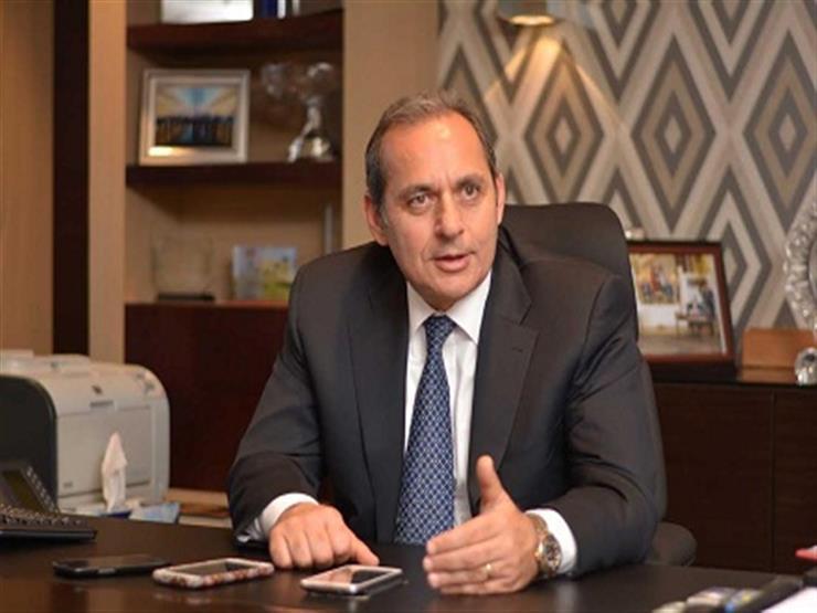 """هشام عكاشة: قرار """"المركزي"""" بقواعد السحب والإيداع عبر ماكينات مقدمي الخدمات تدعم الشمول المالي"""