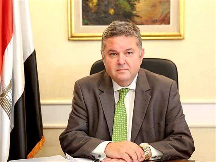 وزير قطاع الأعمال يكشف تفاصيل جديدة عن طرح السيارات الكهربائية بمصر- فيديو