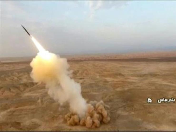 """إيران تطلق صواريخ باليستية """"من باطن الأرض"""" في مناورات عسكرية"""