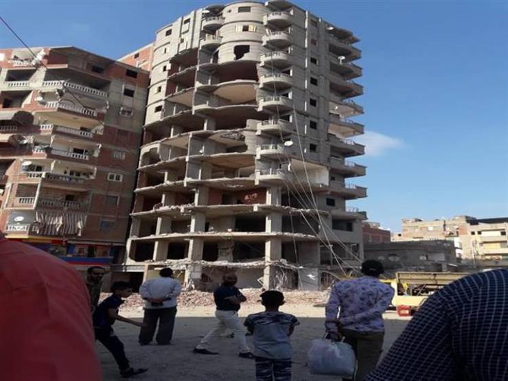 بالفيديو.. الجيزة: إزالة عقار مخالف بحي الطالبية