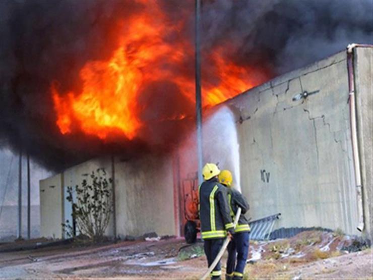 حريق مصنع ومخزن الهرم.. غلق جزئي للدائري وإخلاء العقارات المجاورة