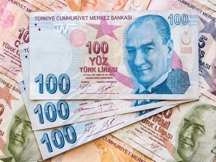الليرة التركية تتراجع.. وأردوغان يؤكد خفض الفائدة والتضخم