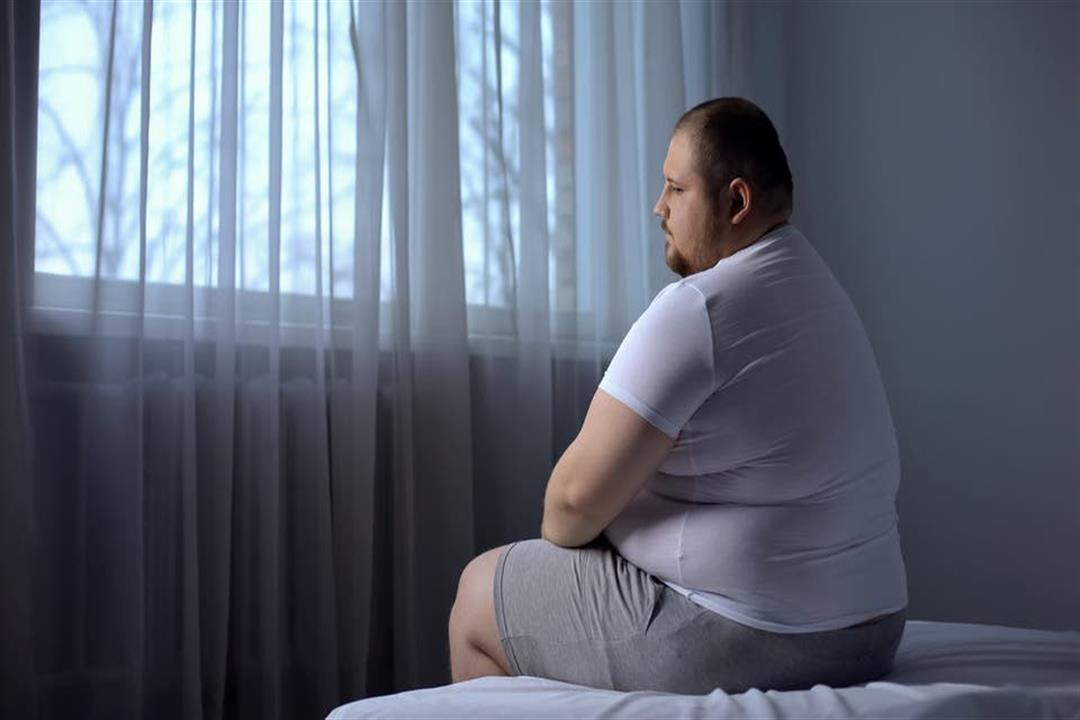 قلة عدد ساعات النوم يزيد فرص الإصابة بالسمنة.. إليك السبب