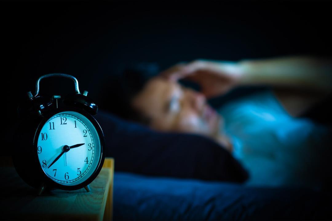قائمة بالأطعمة المفيدة لمحاربة الأرق وتحسين النوم.. أهمها المكسرات