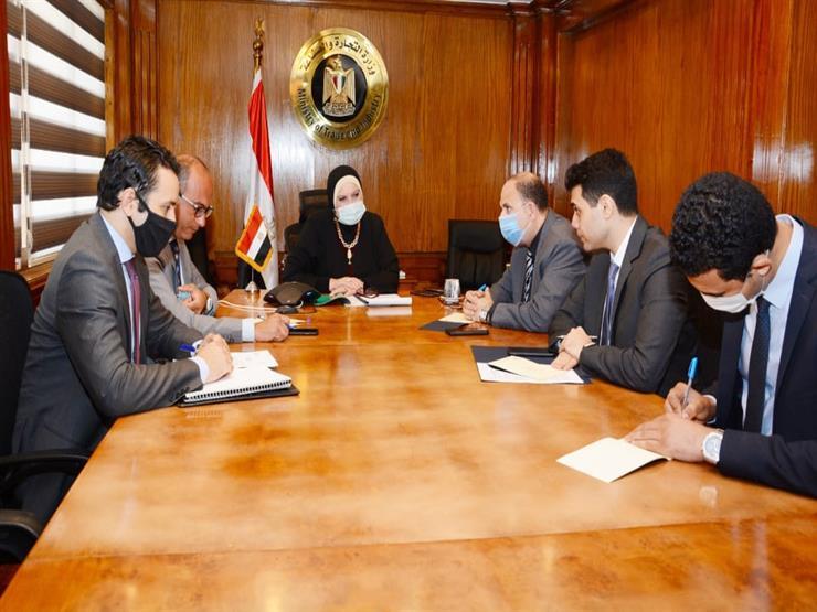وزيرة التجارة والصناعة تبحث مع سفير الصين بالقاهرة تعزيز التعاون الاقتصادي