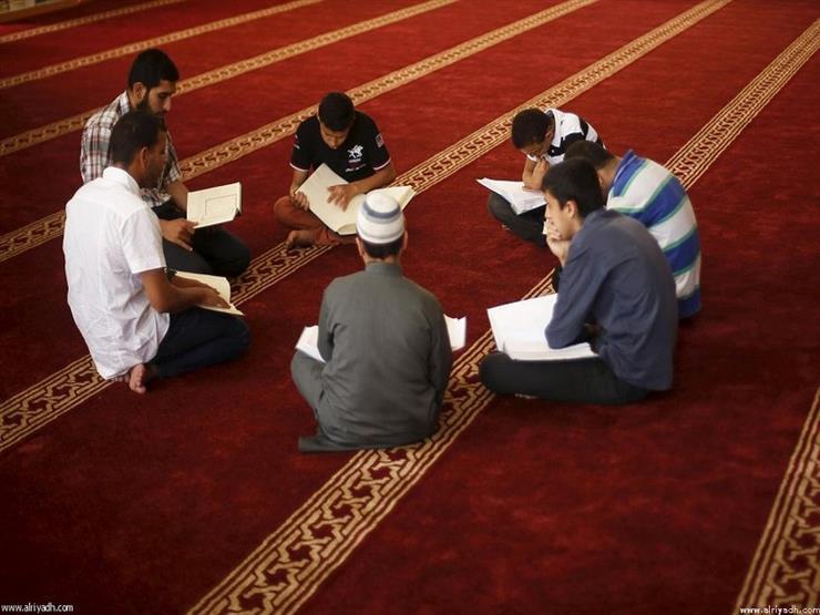 بالفيديو  علي جمعة يوضح حكم إقامة مجلس ذكر وقراءة القرآن في سنوية المتوفى