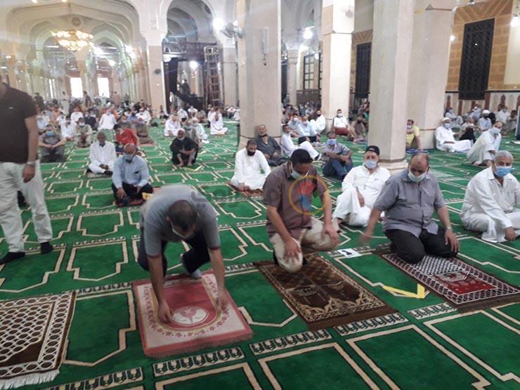 خطبة أول صلاة جمعة بمسجد السيدة زينب بعد توقف 5 أشهر