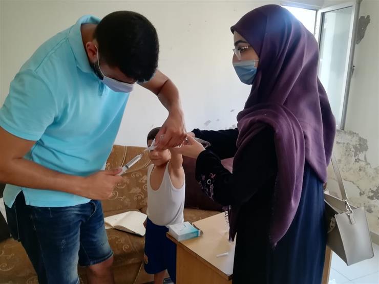 """""""فينا نزرع محبة"""".. طُلاب لبنانيون يقدمون المساعدات لمتضرري انفجار بيروت"""