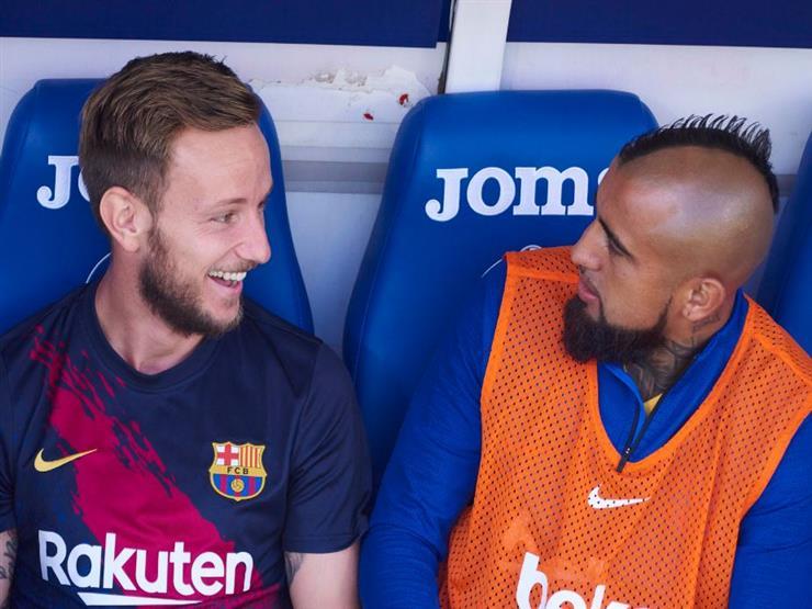 """برشلونة يسمح برحيل راكيتيتش وفيدال إلى إشبيلية وإنتر """"مجانا"""""""