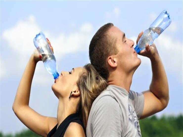 تعرف على الكمية المناسبة لشرب السوائل في الصيف