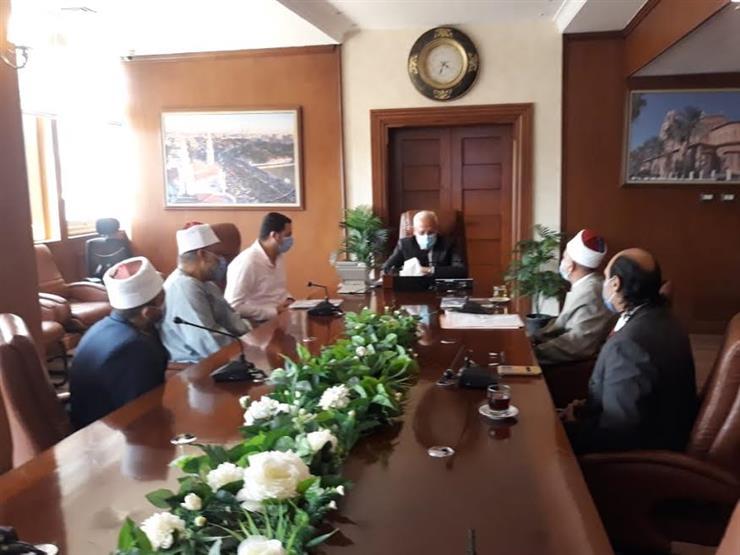 محافظ بورسعيد يلتقي مشايخ الوعظ ويؤكد على دور الخطاب الديني في بناء الأفراد