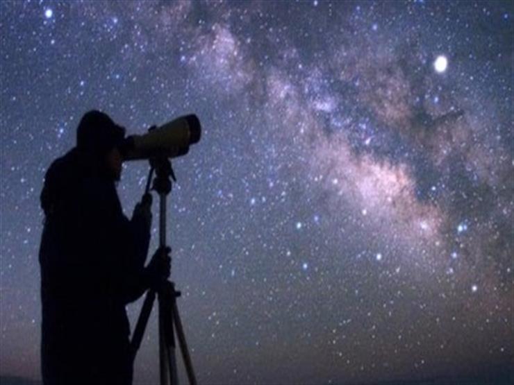 قمر الثلج واكتمال البدر.. تفاصيل ظاهرة فلكية تشهدها سماء مصر الليلة