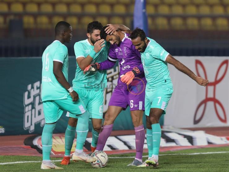 بالصور.. الشناوي يتألق ويتصدى لركلة جزاء جديدة أمام نادي مصر