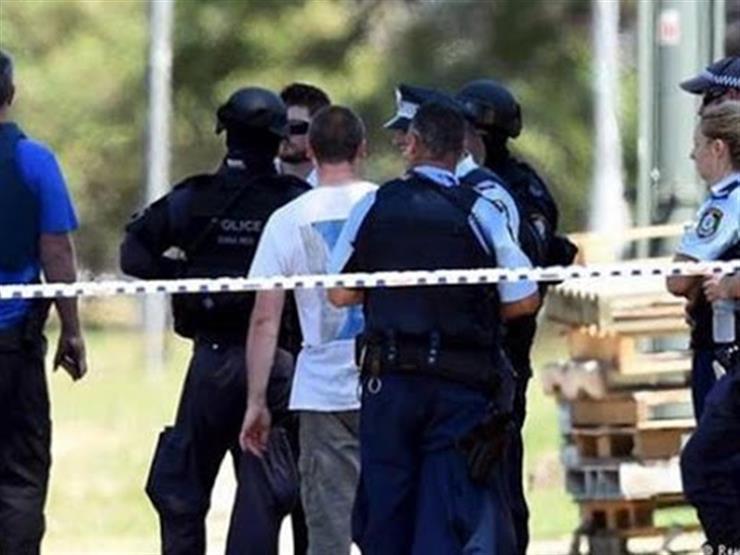 إصابة عدة أشخاص جراء اقتحام سيارة لحشد في هولندا