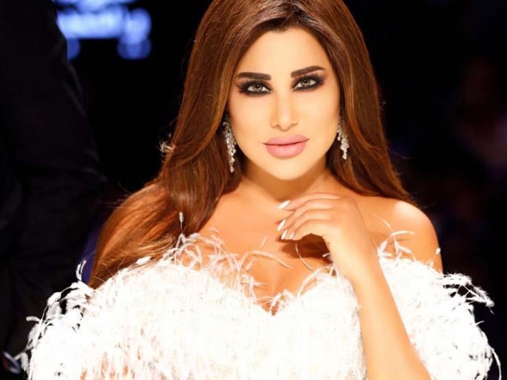 """نجوى كرم تدعو جمهورها للمشاركة في هاشتاج """"لبنان الحياة"""" وأصالة تعلق"""