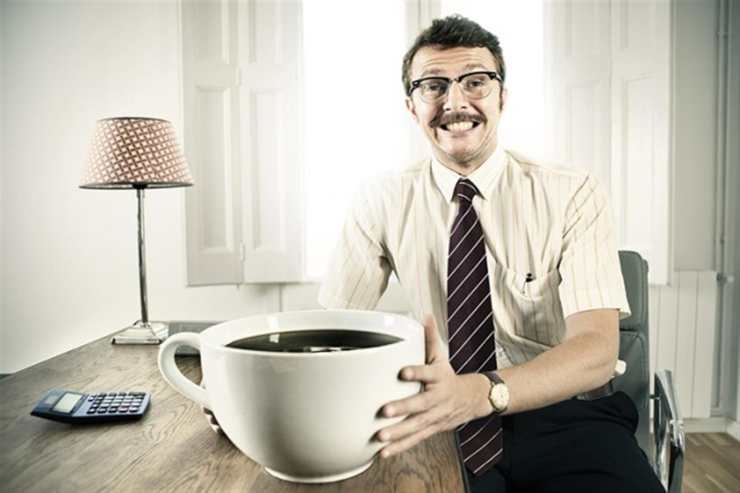 أبرزها كثرة التبول.. 5 علامات تكشف إفراطك في شرب القهوة