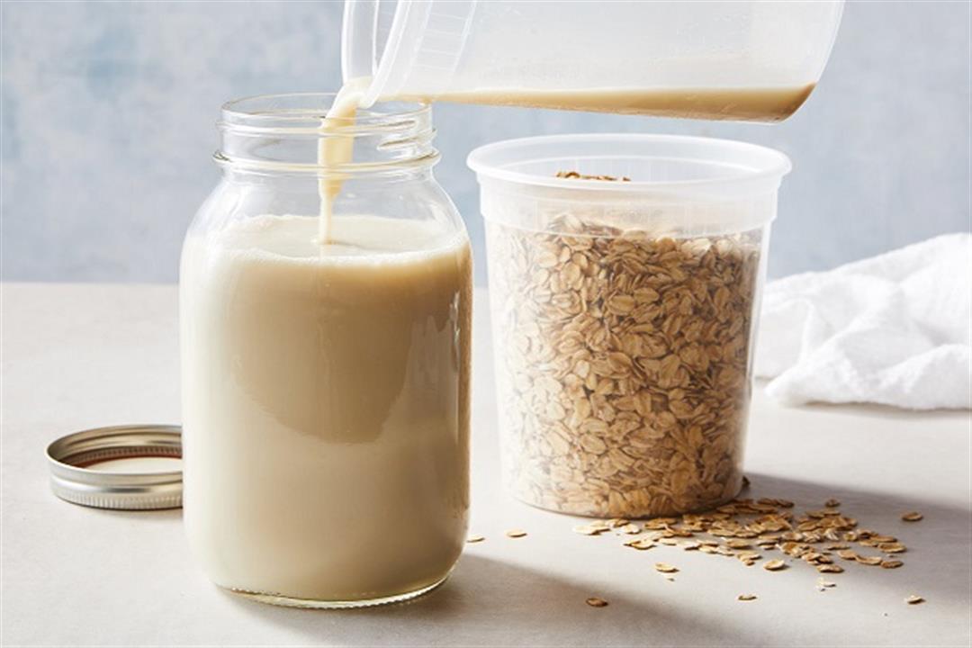 6 فوائد مذهلة لحليب الشوفان.. كيف يتم تحضيره؟