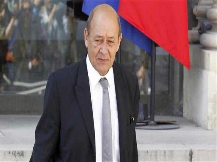 فرنسا تدعو لتعيين رئيس وزراء لتونس وسط ترقب لخارطة الطريق