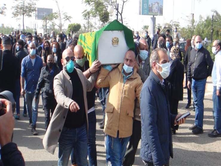 بالفيديو| غياب نجوم الفن عن جنازة هادي الجيار.. هؤلاء حضروا | مصراوى
