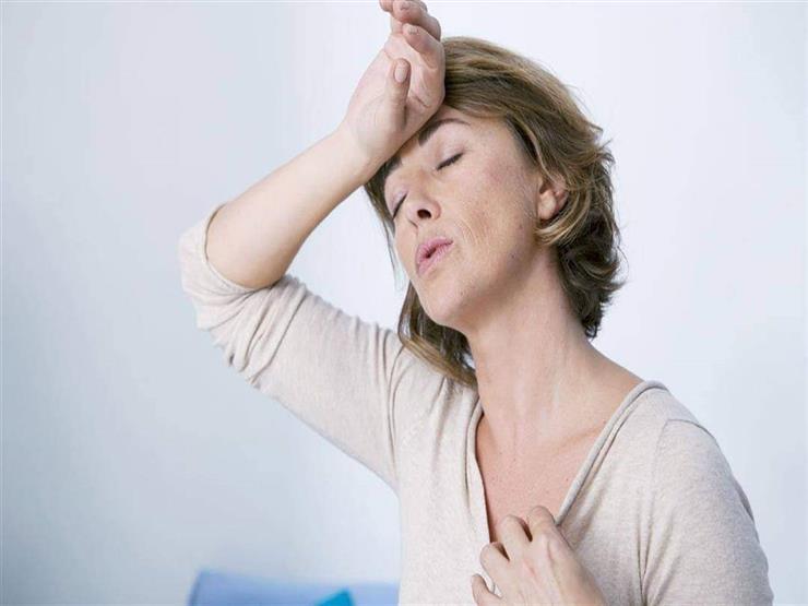 للمرأة.. إليك ما يحدث لجسمك أثناء مرحلة انقطاع الطمث