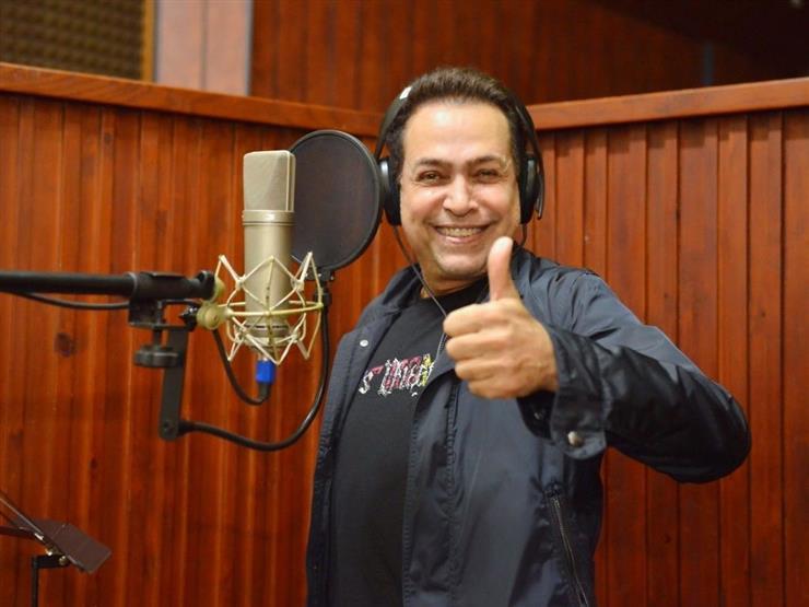 """حكيم يكشف عن أحدث أغانيه """"الناس السهرانين"""""""