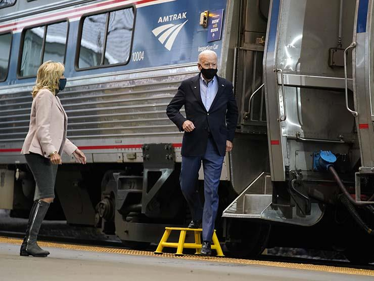 """رغم ولعه بالقطار.. أسوشيتد برس: بايدن لن يتوجه لحفل تنصيبه بـ""""أمتراك"""""""