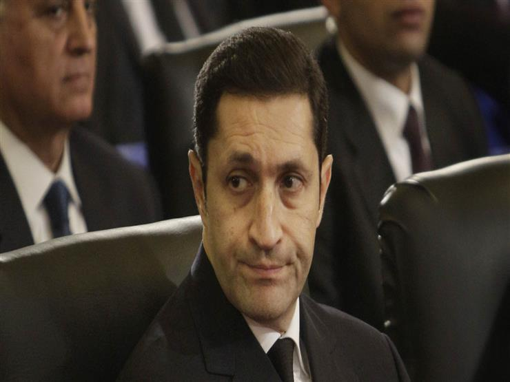 علاء مبارك يحيي الذكرى السنوية الأولى لوالده
