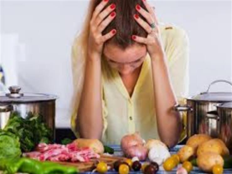 10 أطعمة تسبب الصداع وأخرى تقضي عليه