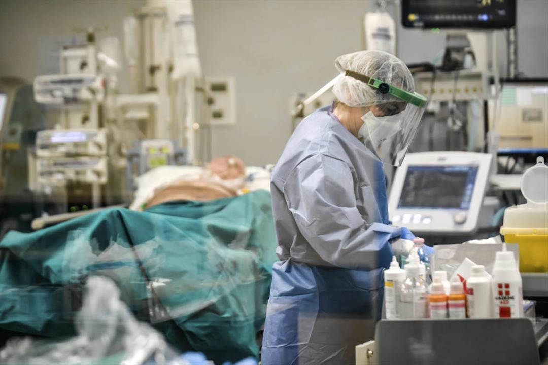 أطباء يروون تفاصيل الساعات الأخيرة في حياة مرضى كورونا