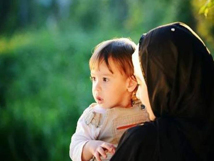 بعد فيديو تجريد طفلة من ملابسها.. 7 من حقوق الأطفال في الإسلام أبرزها: الحضانة والرعاية والنفقة